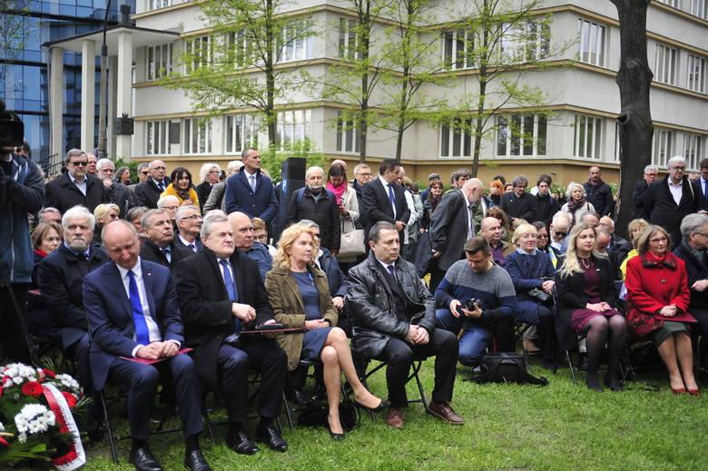 Odsłonięto pomnik upamiętniający Stanisława Pyjasa